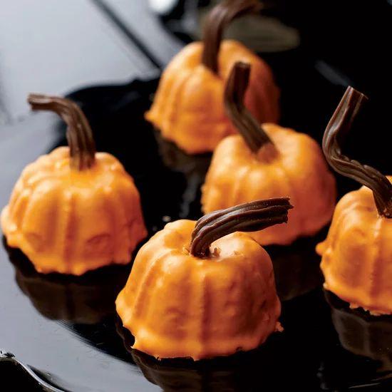 Mini Spiced Pumpkins