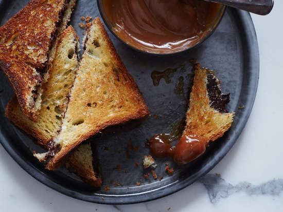 Grilled Chocolate Sandwiches w