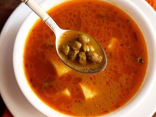 Chick Peas in Tomato Sauce (Ta