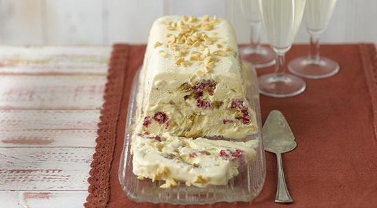 Ice Cream Cake with Raspberrie