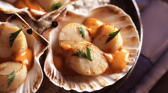 Stewed Scallops with Roe Sauce
