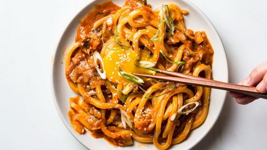 Kimchi Udon with Scallions