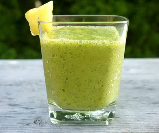 Kale Smoothie With Pineapple a