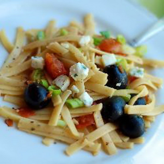 Fettuccine with Tomatoes, Oliv