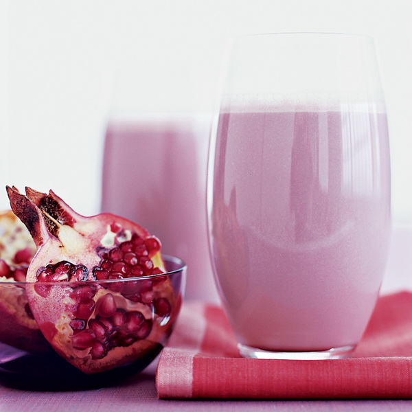 Pomegranate-Banana Smoothie
