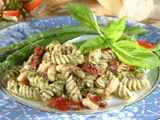 Pasta with Pesto and Beans