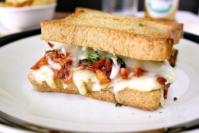 Pizza In A Sandwich