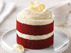 Red Velvet Cake with Creamy Wh